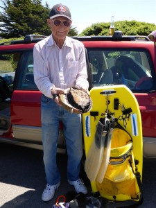 Don Stupfel, 86 years young, with a ten inch Abalone by Jack Likins (Large)