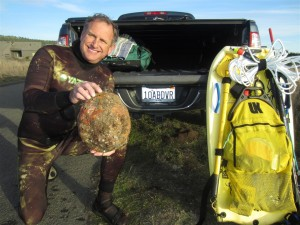 Roger Rude with a 10.05 Abalone by Jack Likins (Large)