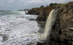 Stengel Beach Waterfall by Allen Vinson