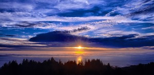 Beautiful sunset by Allen Vinson