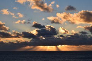 sunset-with-gods-rays-by-richard-hansen